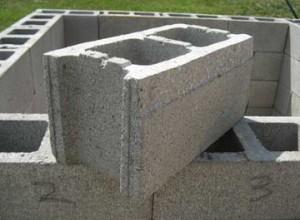 Блоки размером 29X29X44 см.