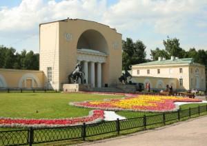 Москва ищет подрядчика чтобы построить дом в Кузьминках